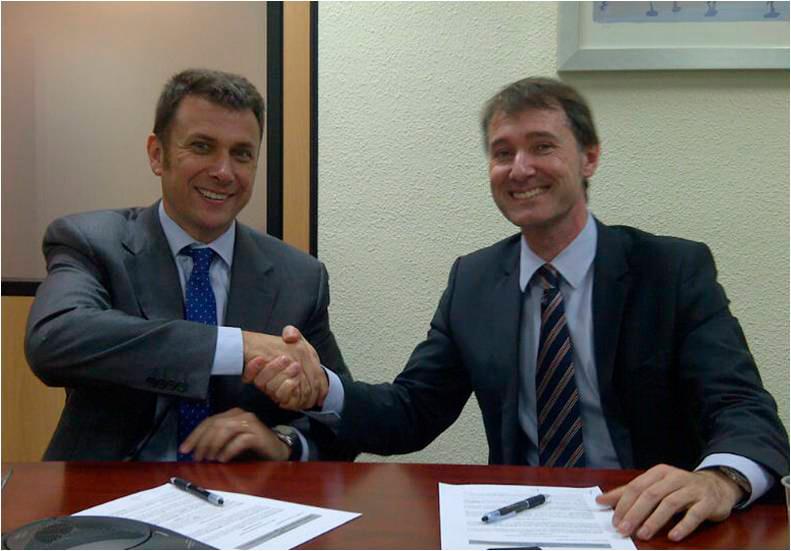 Jordi Albalate estrechando la mano del responsable de Metropolis