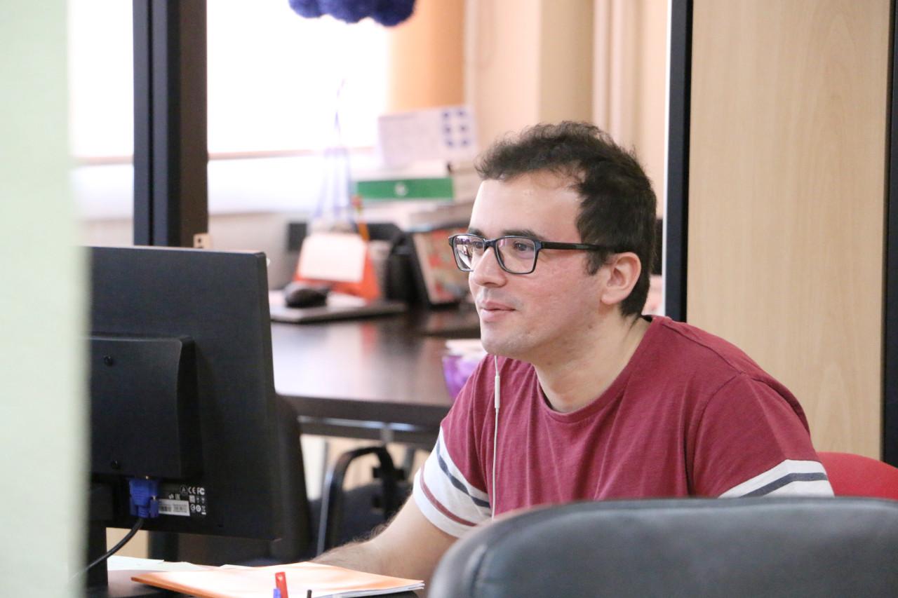 Javier trabajando